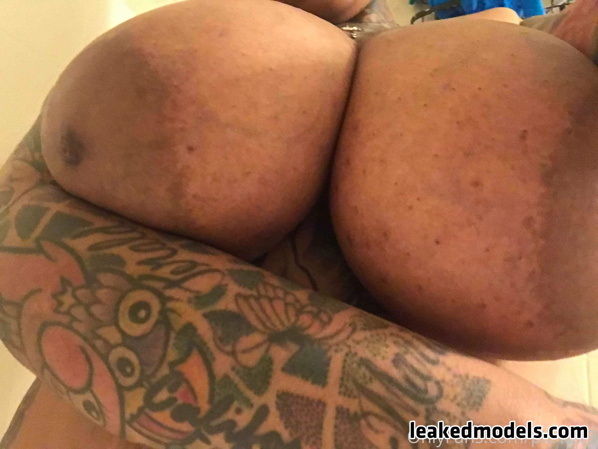 Pretty tatted slut – Pie1219 OnlyFans Leaks (24 Photos and 7 Videos)